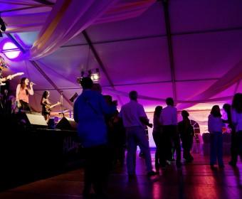 Die AlleyCats spielen auf dem 10-jährigen Jubiläum der Firma ACSYS in Mittweida